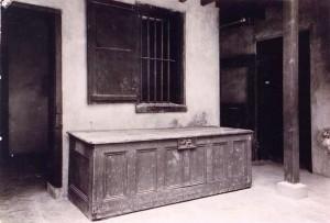 Auction-Block